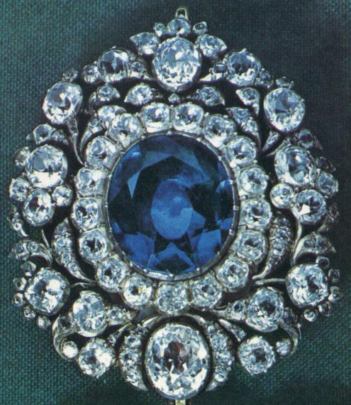 pin bavarian crown diamond with top king replica a the wittelsbach of mounted on s